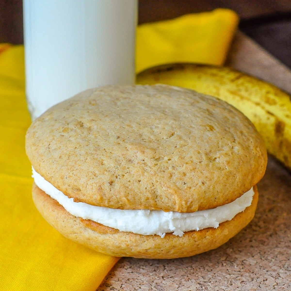 Banana cream cheese whoopie pies