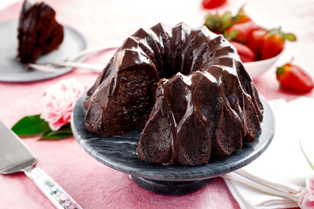 In 1964, tunnel of fudge cake was a real crowd-pleaser.