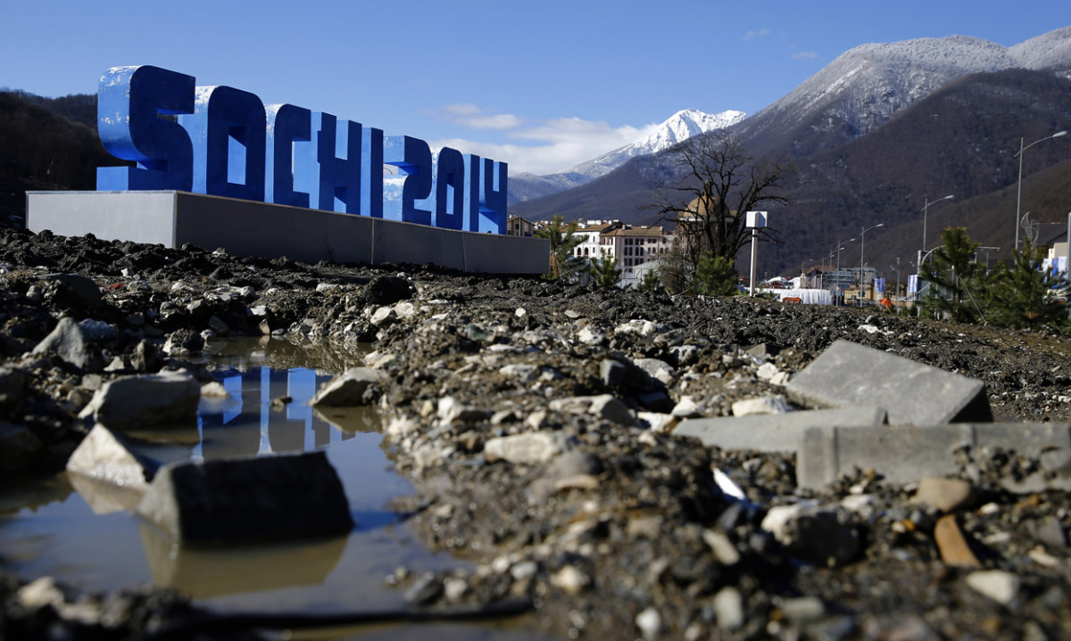 The paint pealing Sochi sign, a monument for the inevitable.