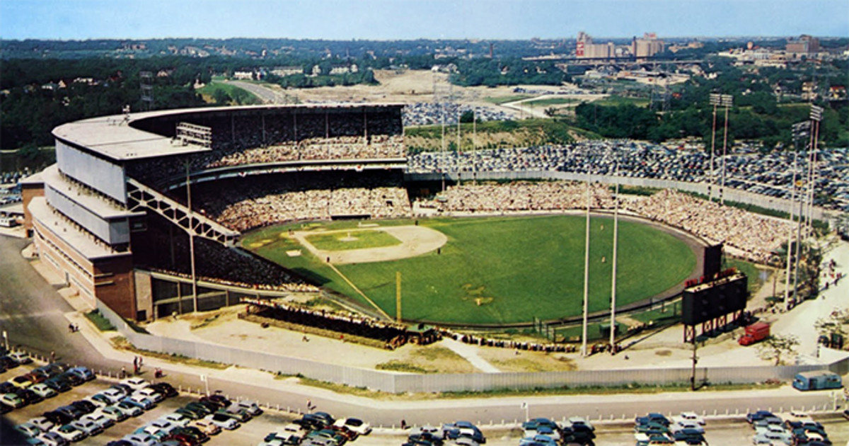 Milwaukee County Stadium: Home of the Braves (1953-1965) and the Brewers (1970-2000)
