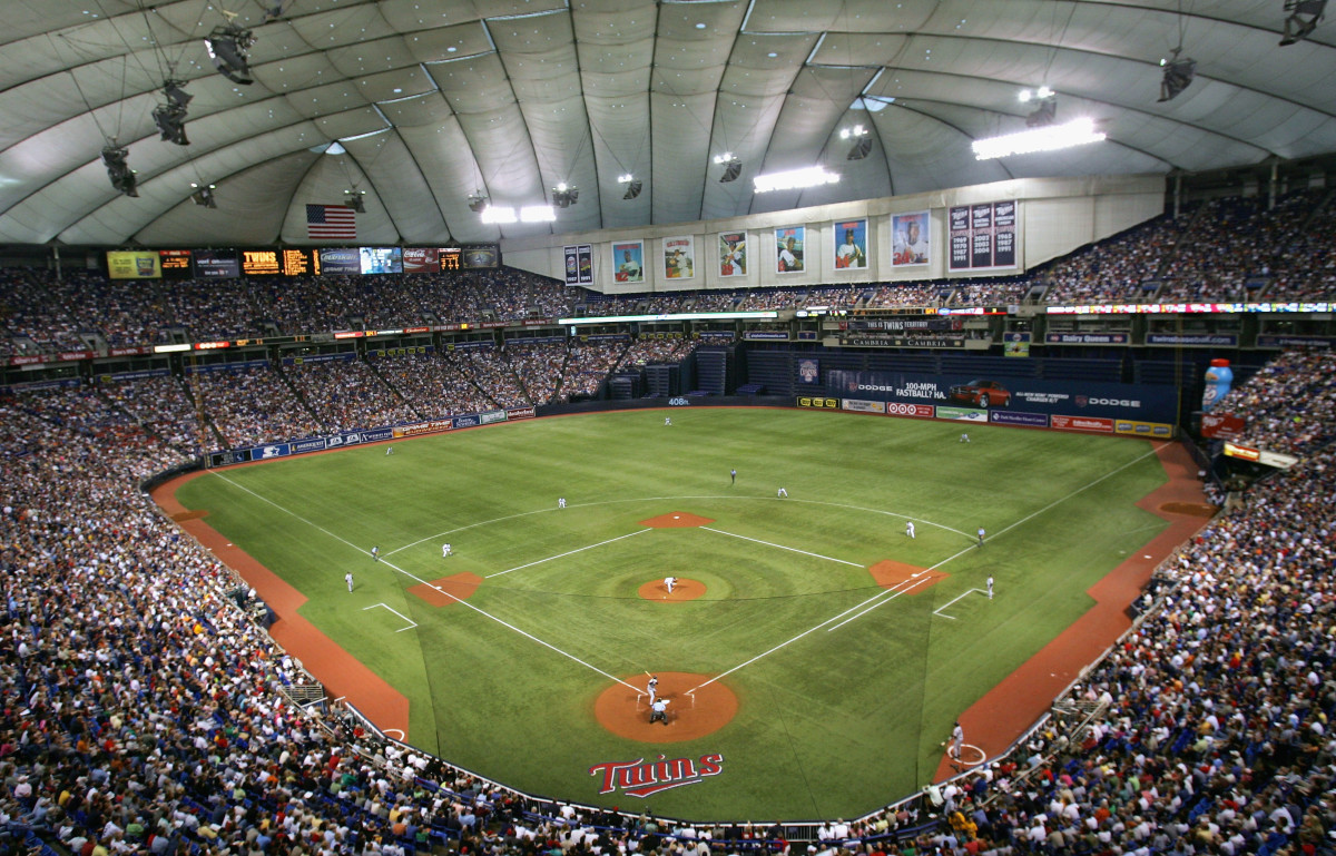 Inside the Hubert H. Humphrey Metrodome: Minnesota Twins; 1982-2009).