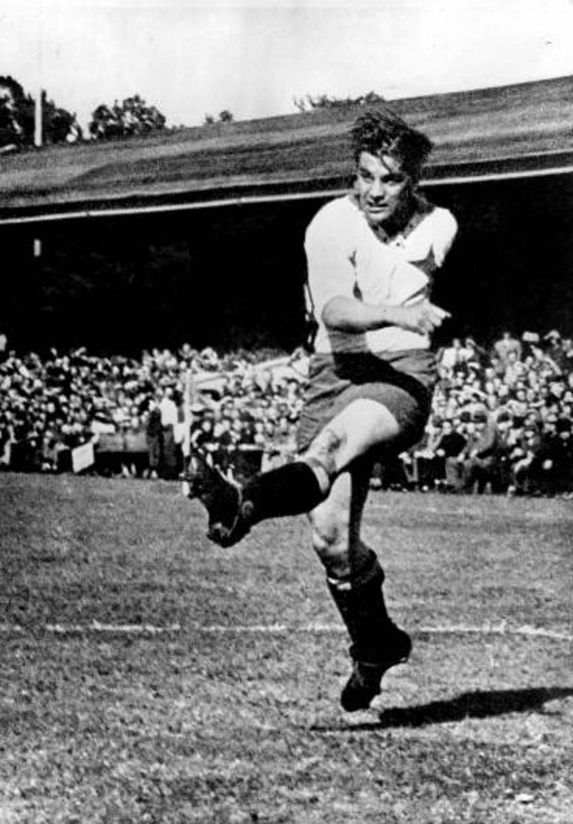 Sweden's Gunnar Nordahl in action while playing his club football in Norrköping in 1948. Nordahl is considered one of Sweden's best players, despite never played for the country in a World Cup.