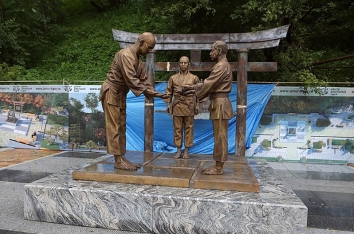 Statue in Vladivostok, Russia dedicated to Oshchepkov. It was unveiled in September 2016.