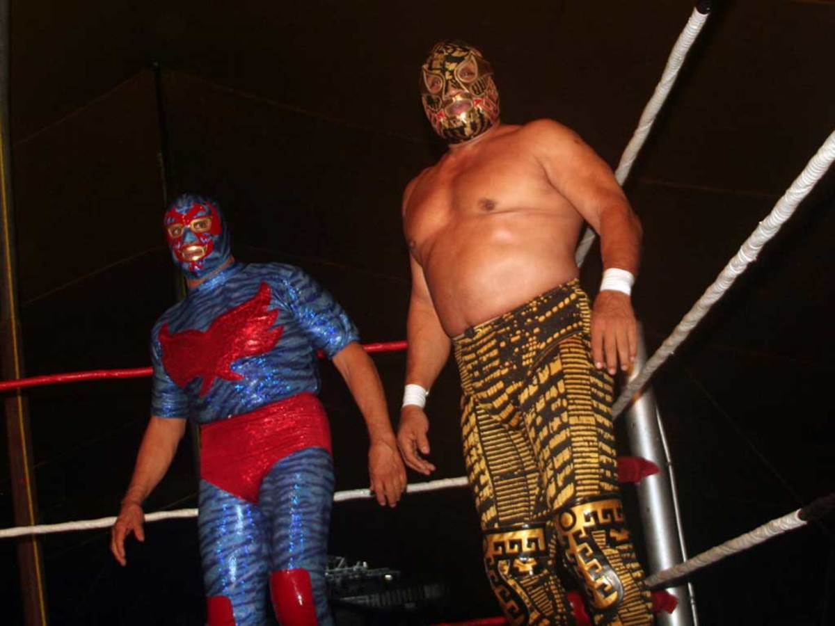 Canek and old rival Dos Caras