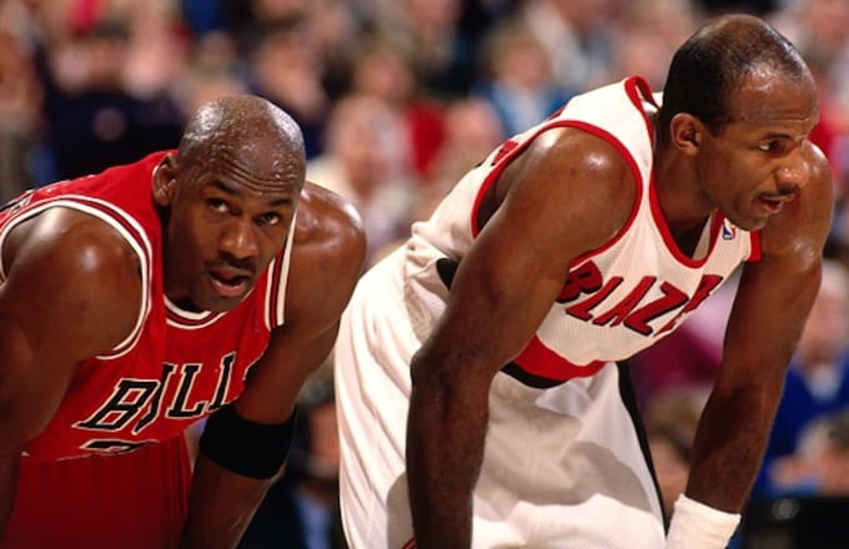 Clyde Drexler and Michael Jordan faced off in the 1992 NBA Finals.
