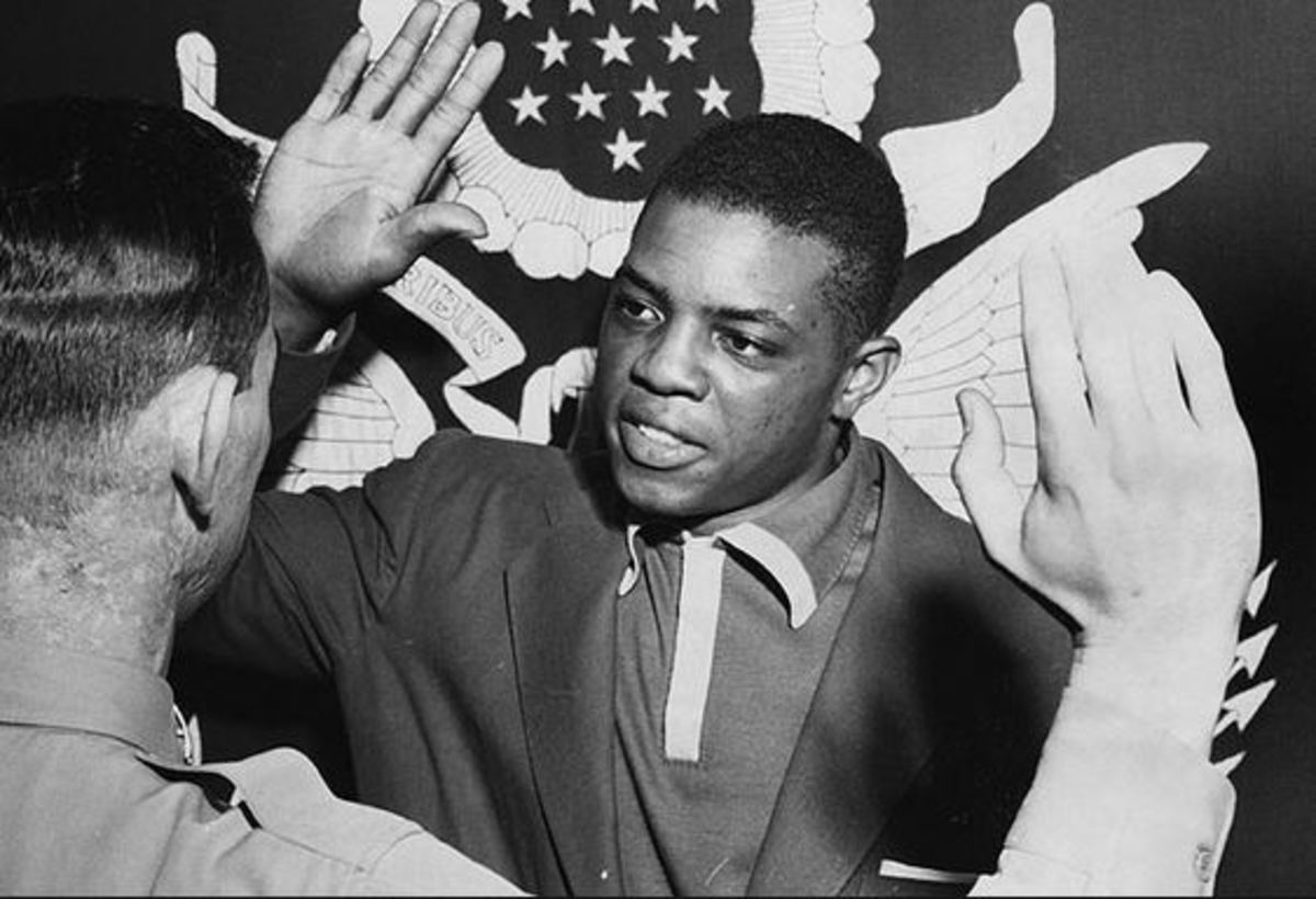 Willie Mays being sworn into the Army in 1952.