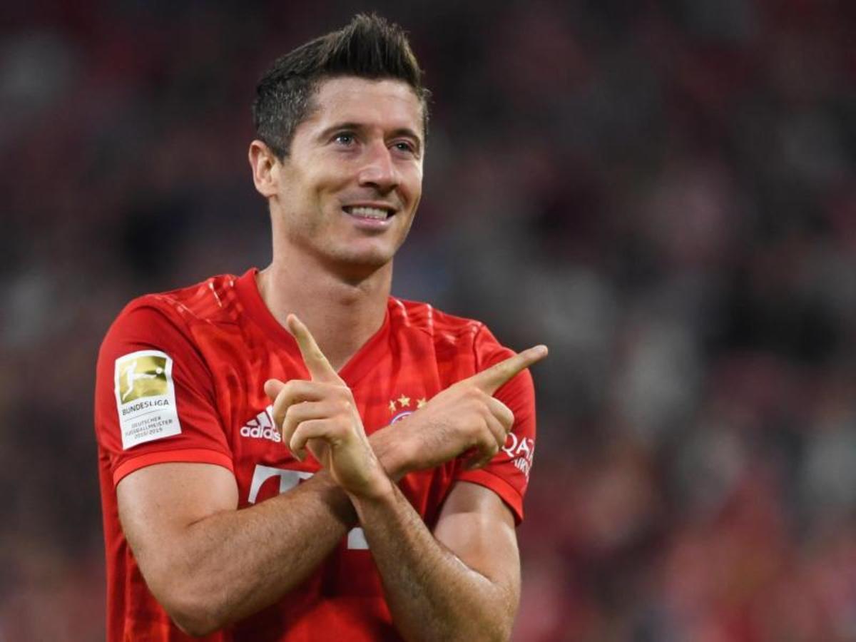 Robert Lewandowski celebrating for Bayern Munich.