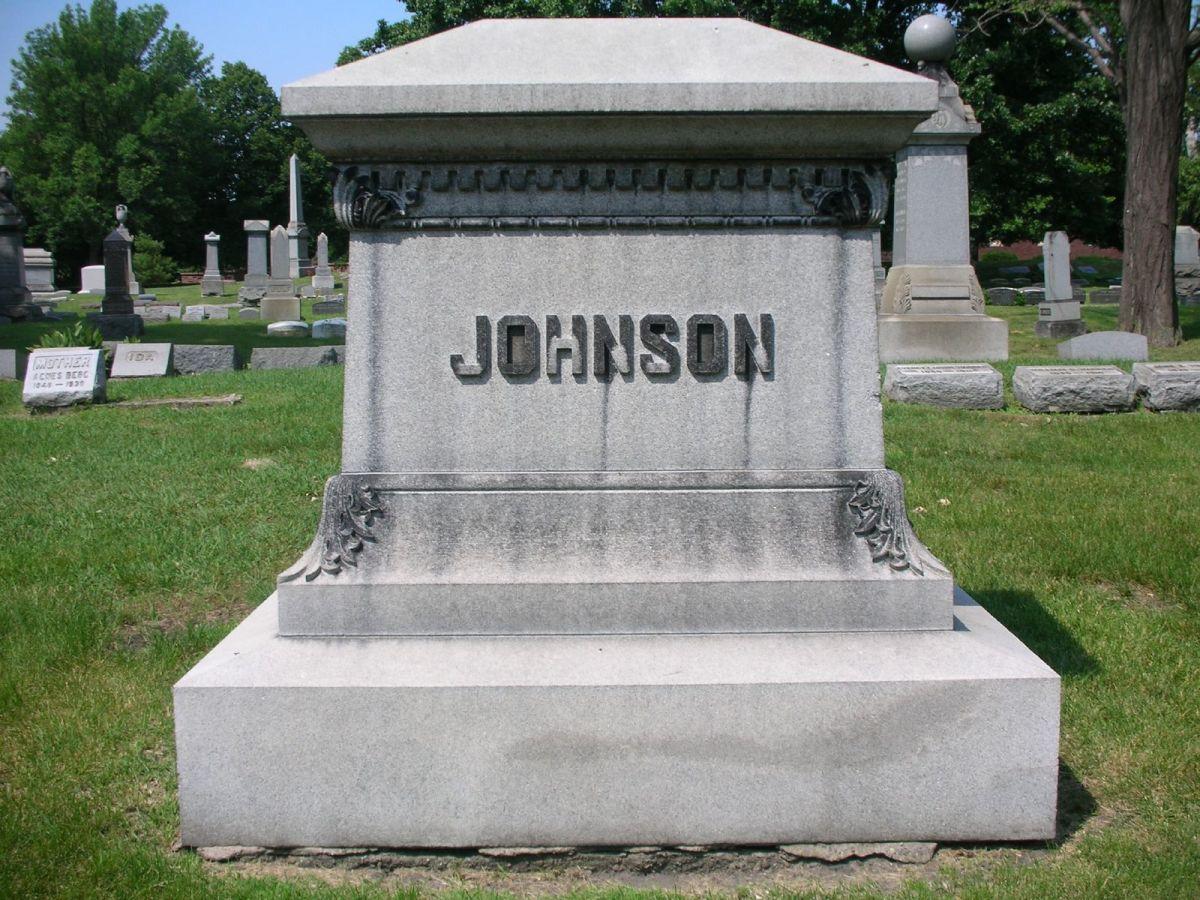 Jack Johnson grave in Chicago