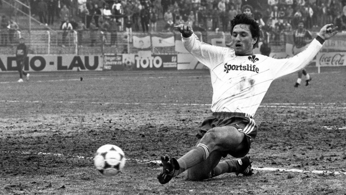 One of SV Darmstadt 98's notable players was Bruno Labbadia, seen here during a 2. Bundesliga match at Hertha Berlin SC on Nov. 17, 1984. Labbadia scored 44 goals for the club and would also coach the club between 2003 and 2006.
