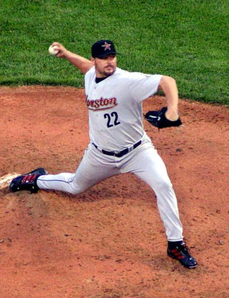 Roger Clemens pitching for the Houston Astros 2004.