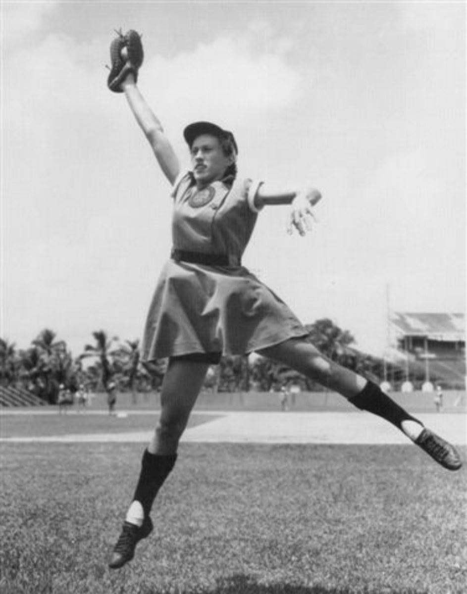 "Dorothy ""Dottie"" Kamenshek, first baseman."