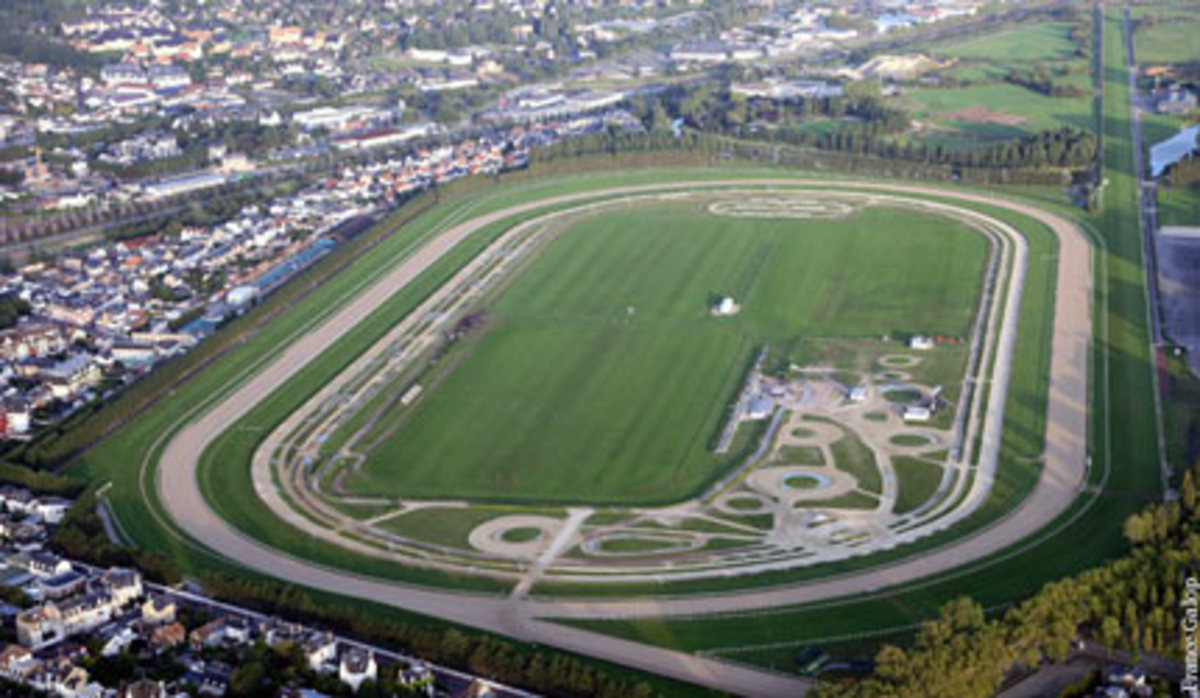 An aerial shot shows the shape of Deauville racetrack