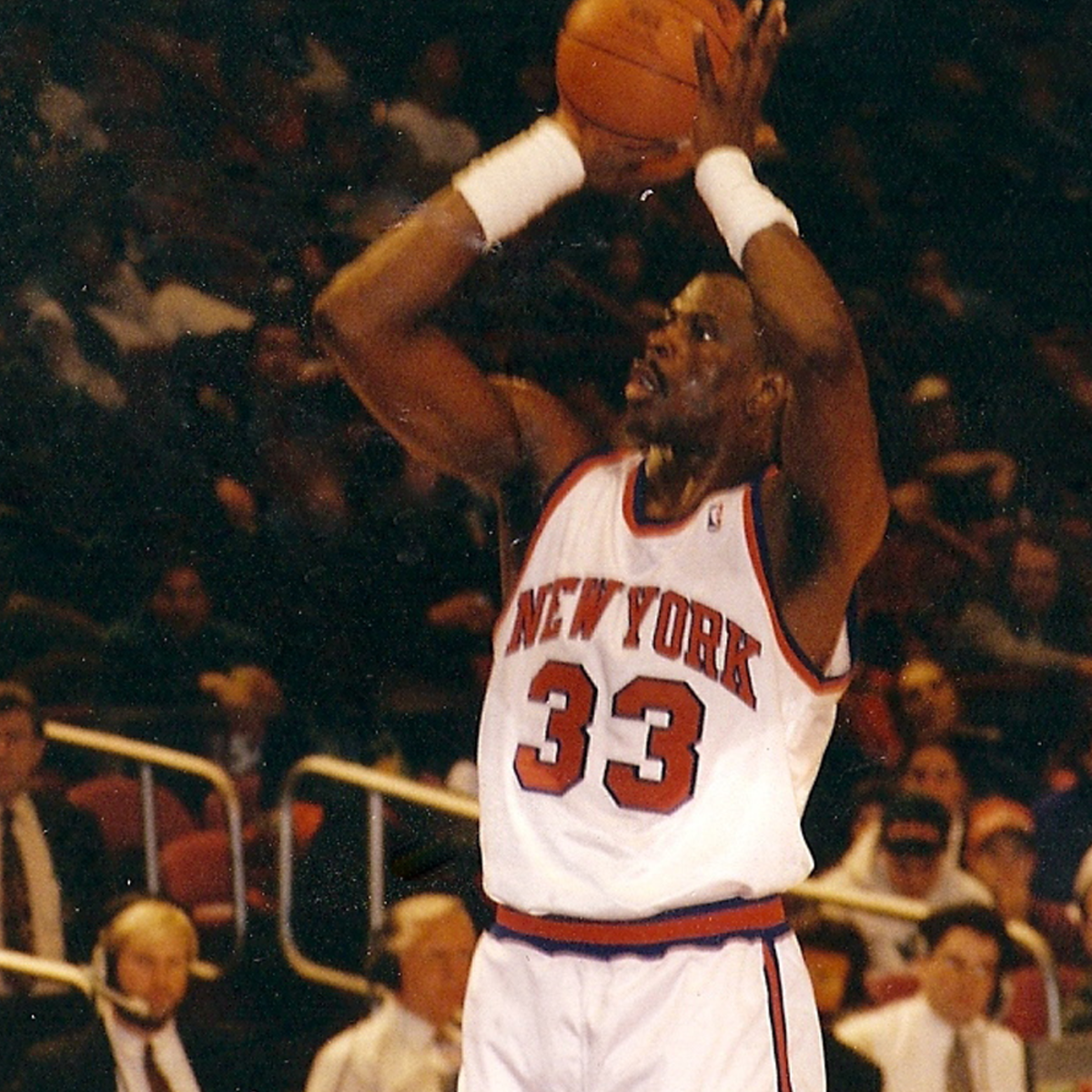 Patrick Ewing shooting a free-throw.