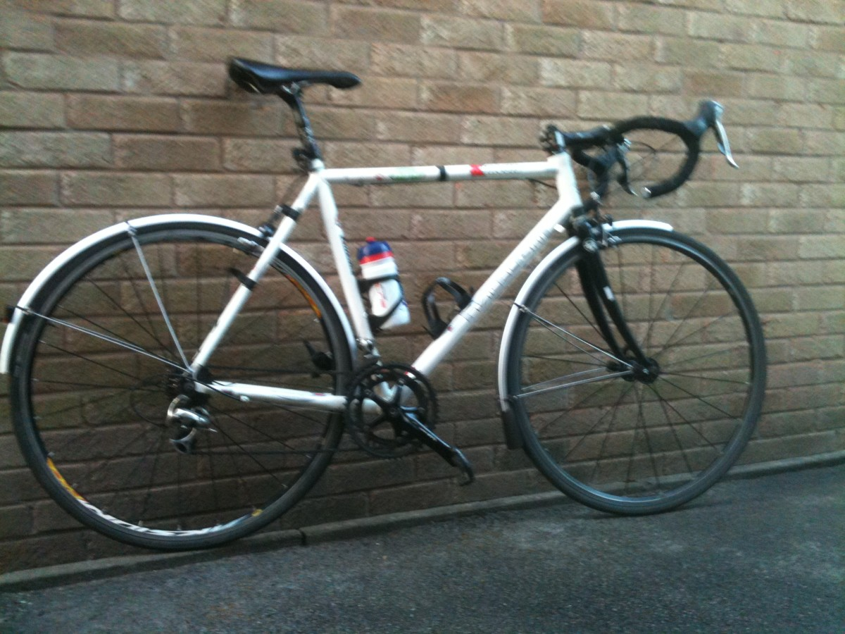 Take off the mudguards from this Kinesis Racelight T and you have a good amount of clearance for wider cyclocross tires