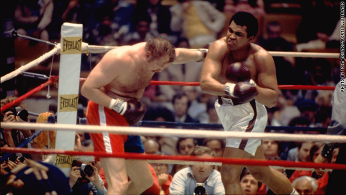 Ali delivers another blow to Wepner who finally succumbed with just seconds left in the match.