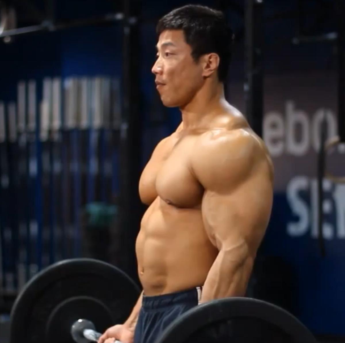 korean-bodybuilder-kang-kyung-won