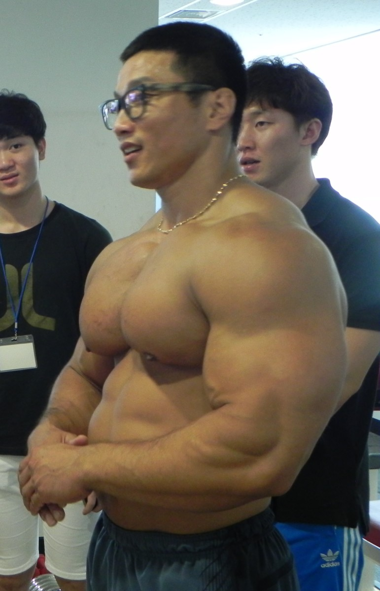 Kang Kyung Won hosts numerous fitness camps and training sessions where he shares his experience and advice with other aspiring bodybuilders.