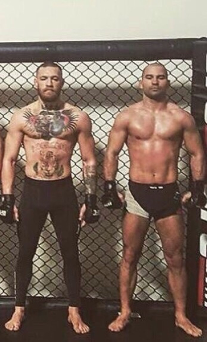 Artem Lobov has the lowest ape index in UFC history. He stands at the same height as McGregor yet Lobov's reach is almost 10 inches shorter.