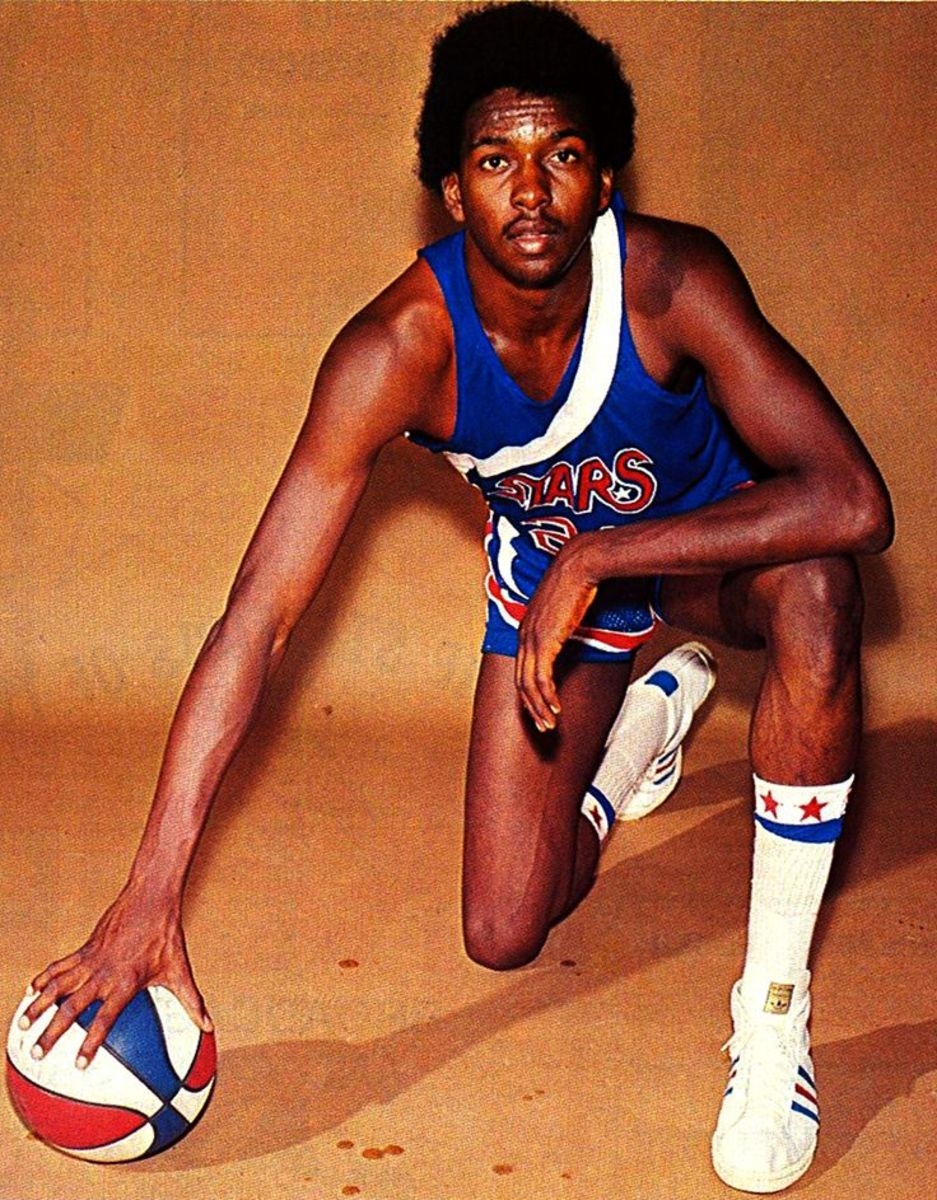 "Moses Malone had significantly small hands for his height of 6'10""."