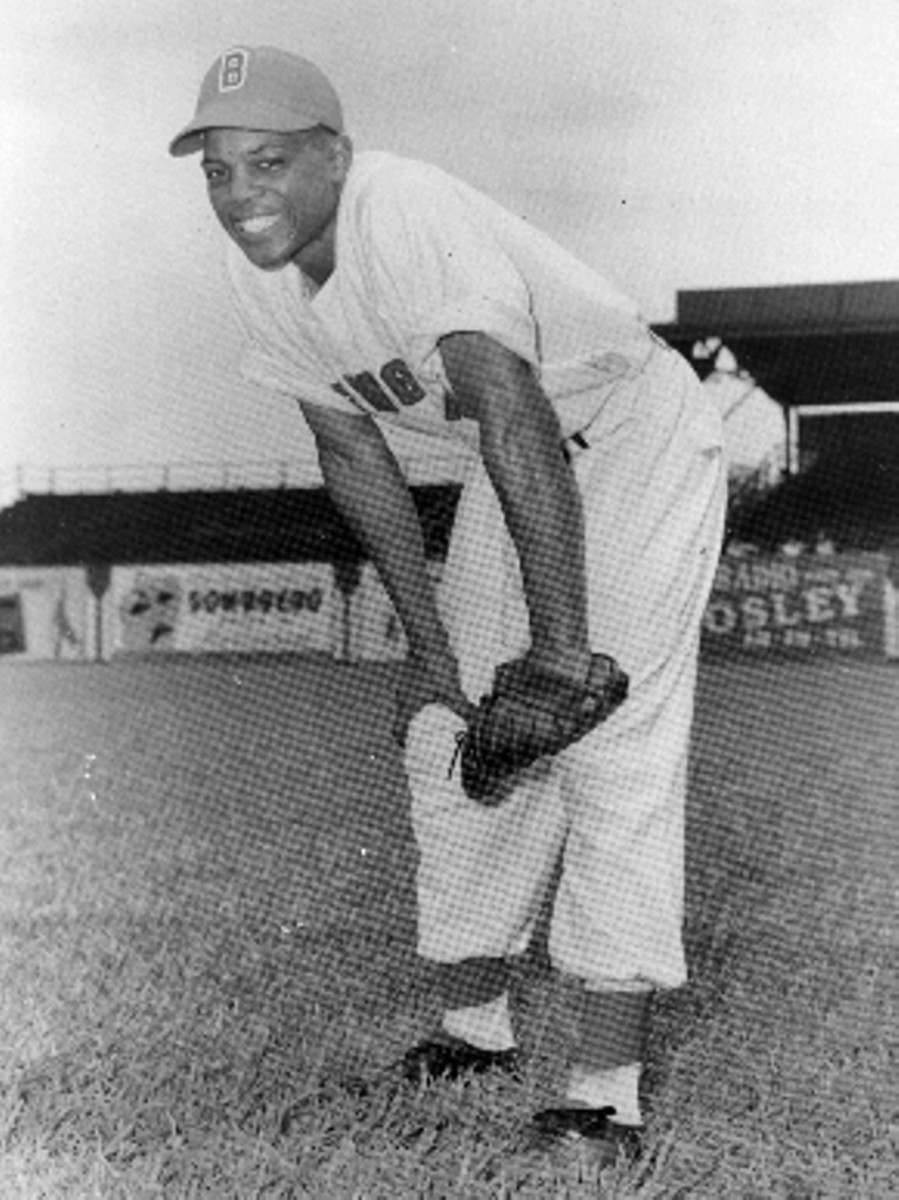 Willie Mays as a 17 year old playing for the Birmingham Barons.