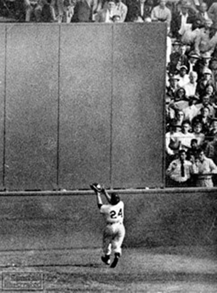 September 29, 1954 - Mays makes the greatest World Series catch of all time off Cleveland's Vic Wertz.