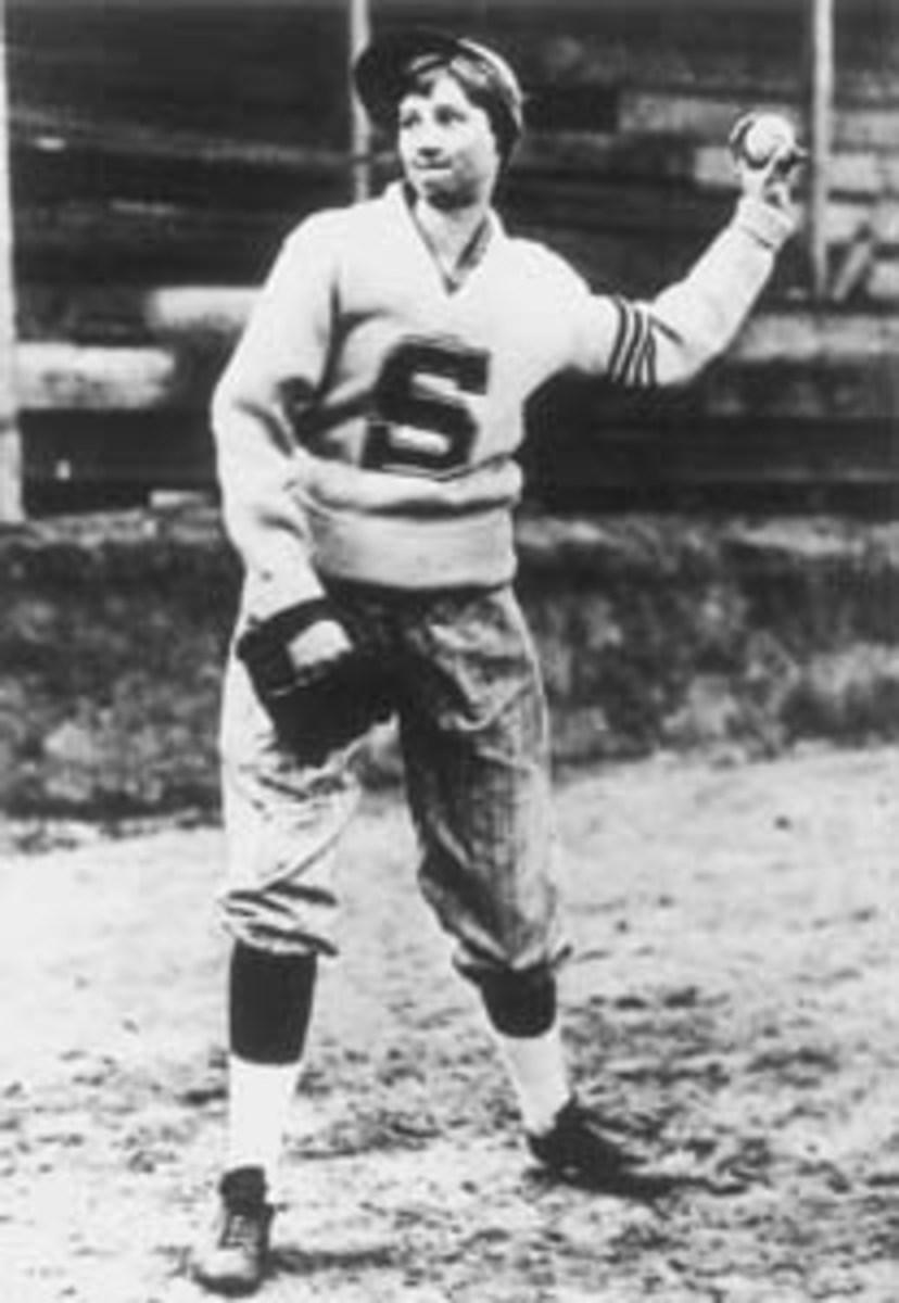 Jackie Mitchell pitching baseball.