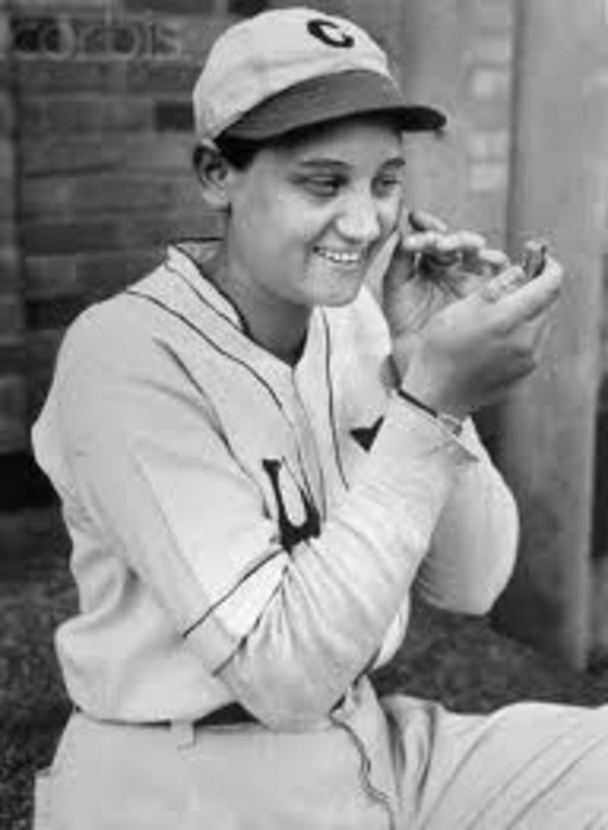 Jackie Mitchell in dugout.