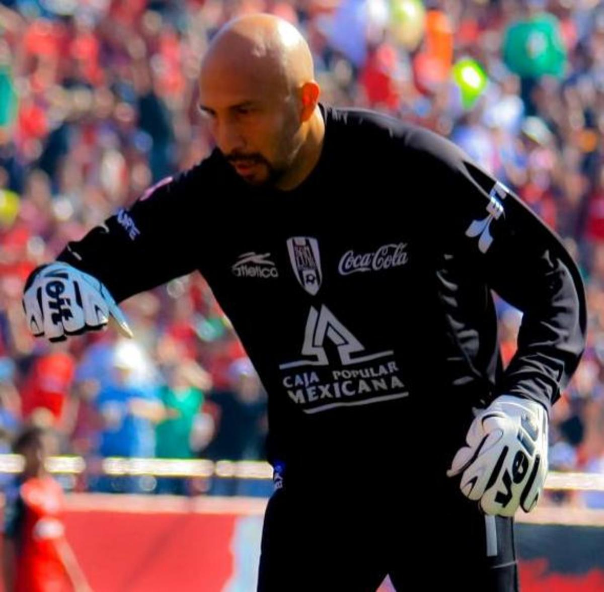 At 46 years old, Óscar Pérez Rojas was the oldest active player in Liga MX.