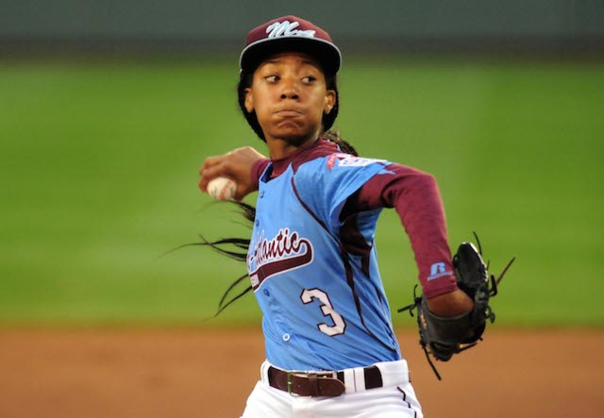 Mo'ne Davis pitching during Little League World Series