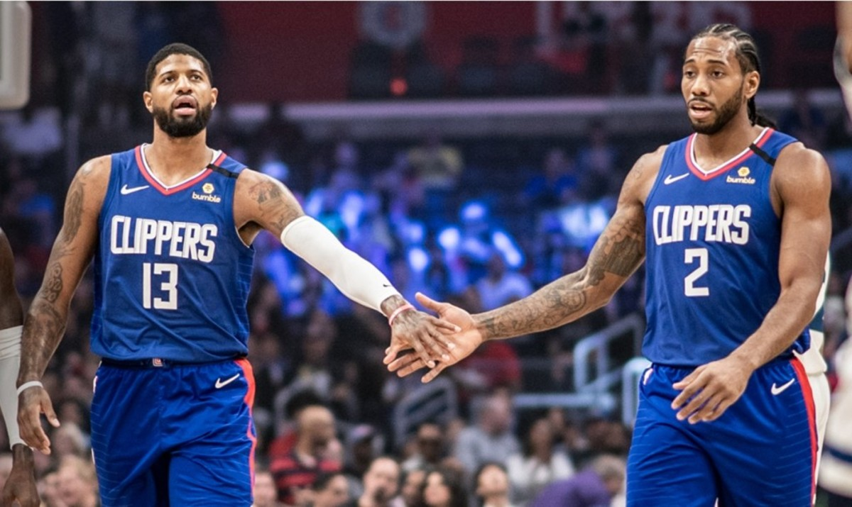 Paul George has significantly small hands for his height. His hands are the size of a baby as compared to the humongous hands of Kawhi Leonard. George stands taller than Kawhi yet his hand length is almost 15% shorter and span 25% narrower than Kawhi