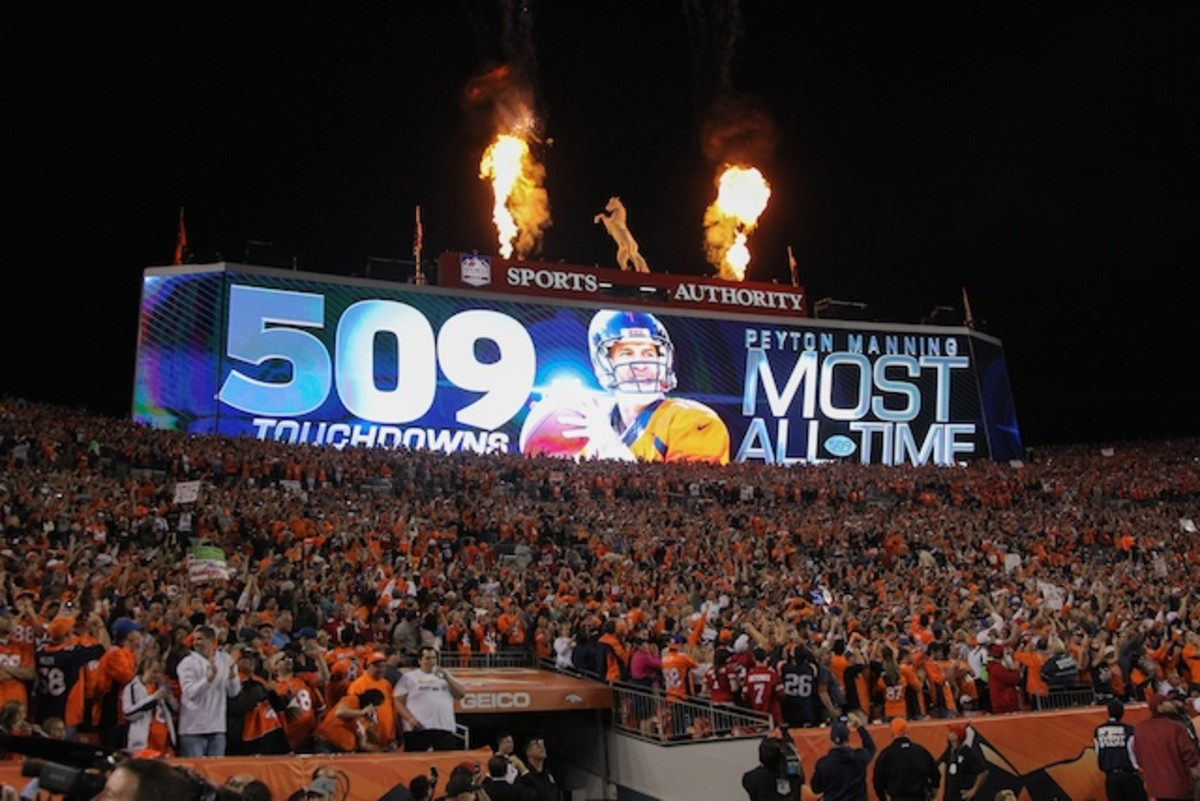 Peyton Manning Breaking the Touchdown Record