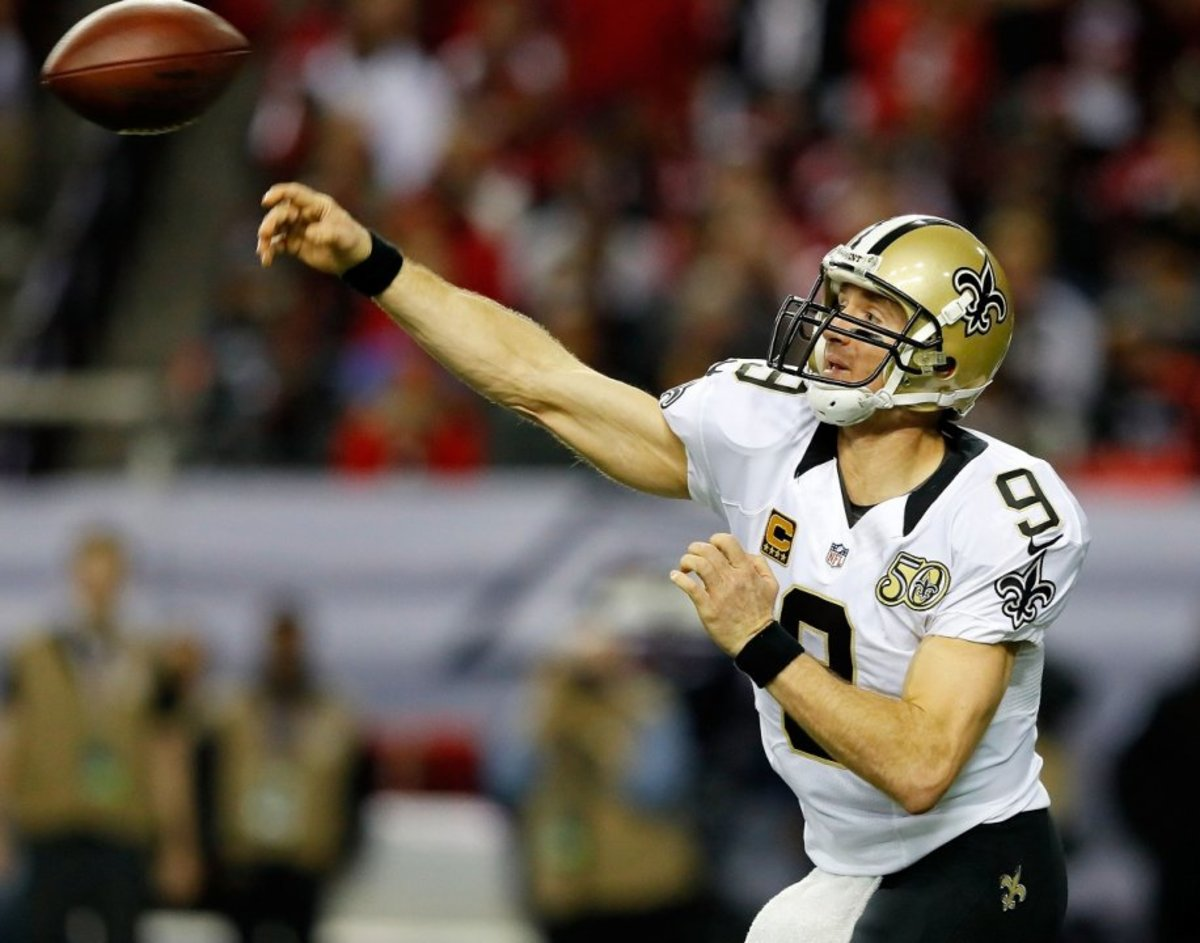 Drew Brees Throwing a Deep Pass