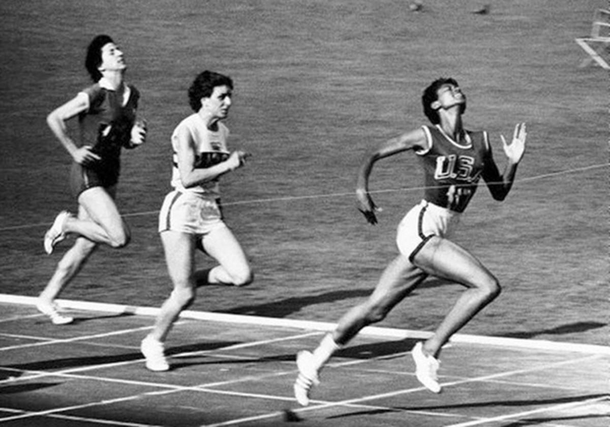 Wilma Rudolph running during Olympics