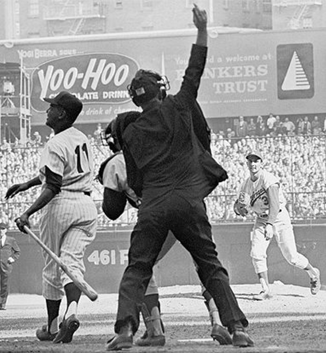 Koufax gets Hector Lopez in the 5th inning.