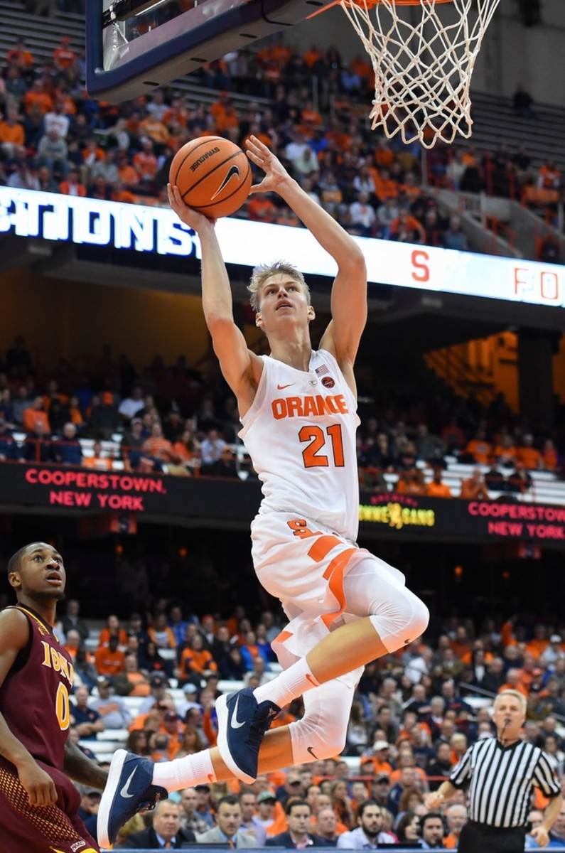 I don't want to see Marek Dolezaj try to guard Vernon Carey.  I kind of do, but I don't.
