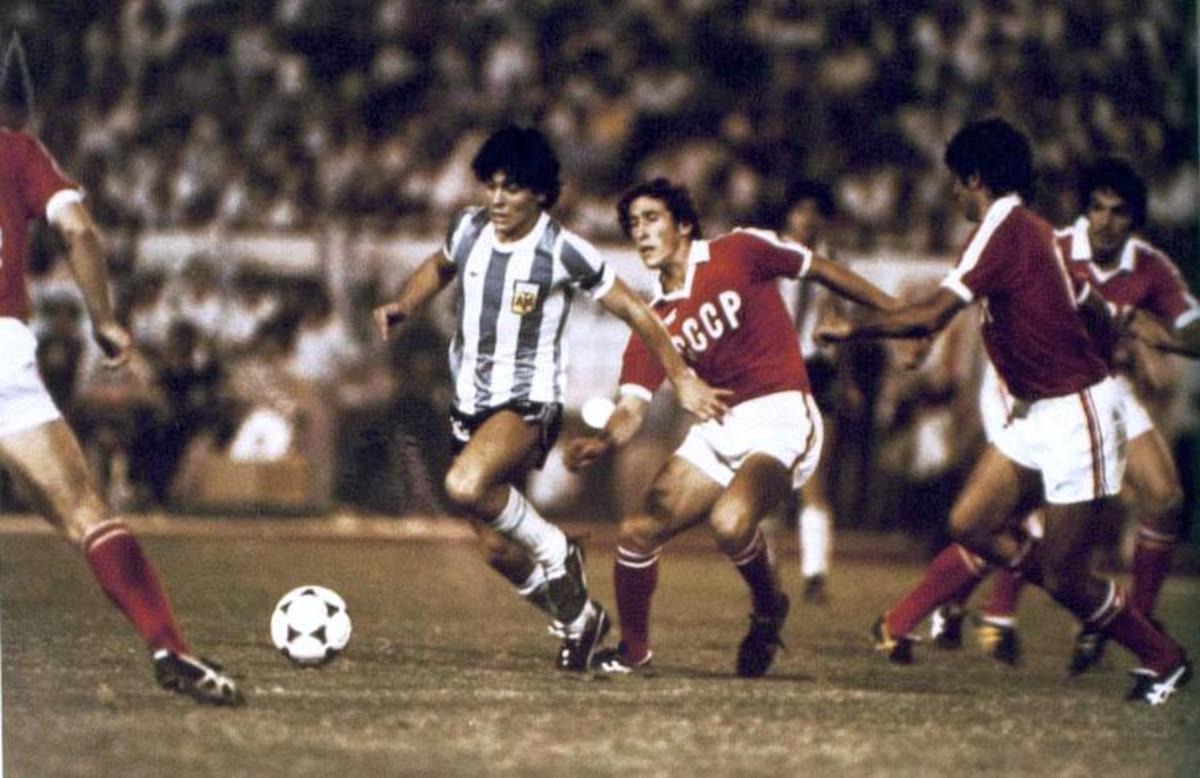 Diego Maradona was named FIFA's Player of the 20th century.