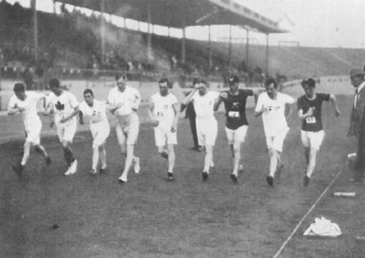 And they're off. Competitors start the 3,500-metre walk at the 1908 Olympic Games.