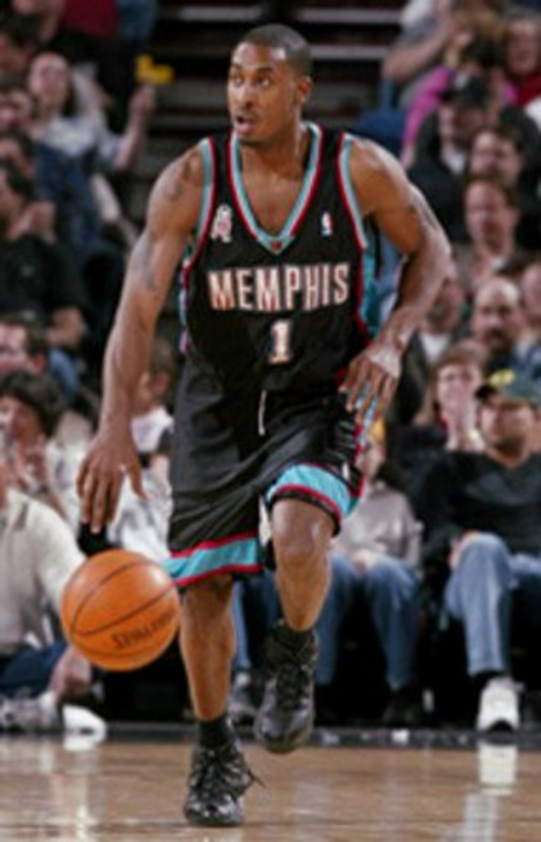 Will Solomon played for the Grizzlies in the 2001–02 season.