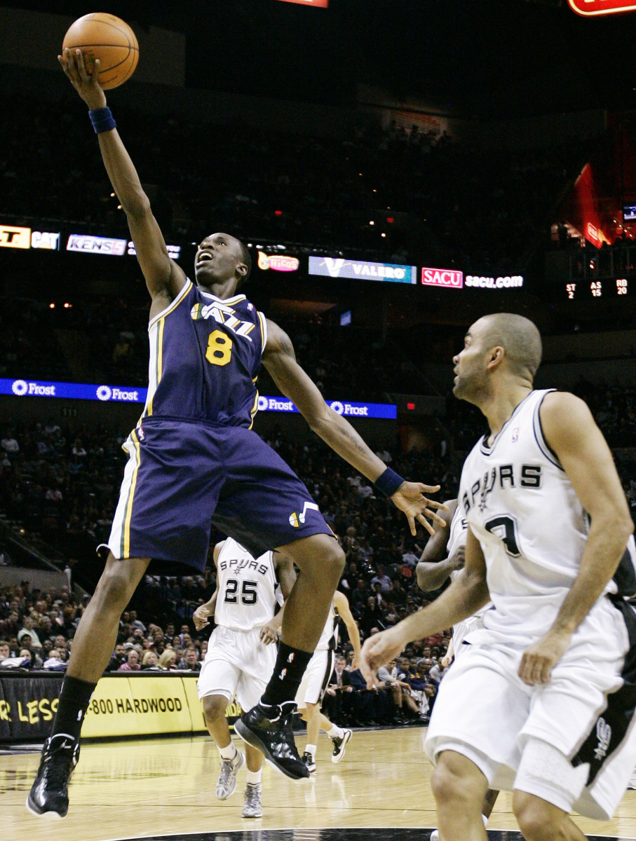 On December 8, 2007, Howard scored a career high 47 points against the Utah Jazz.