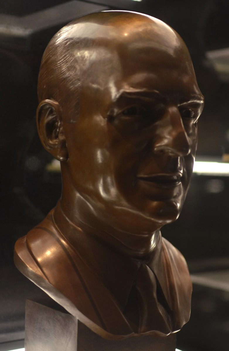 Paul Brown's bust as seen in the Pro Football Hall of Fame.