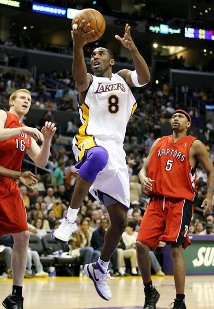 Kobe Bryant single-handedly demolishes Toronto  with 81 points.