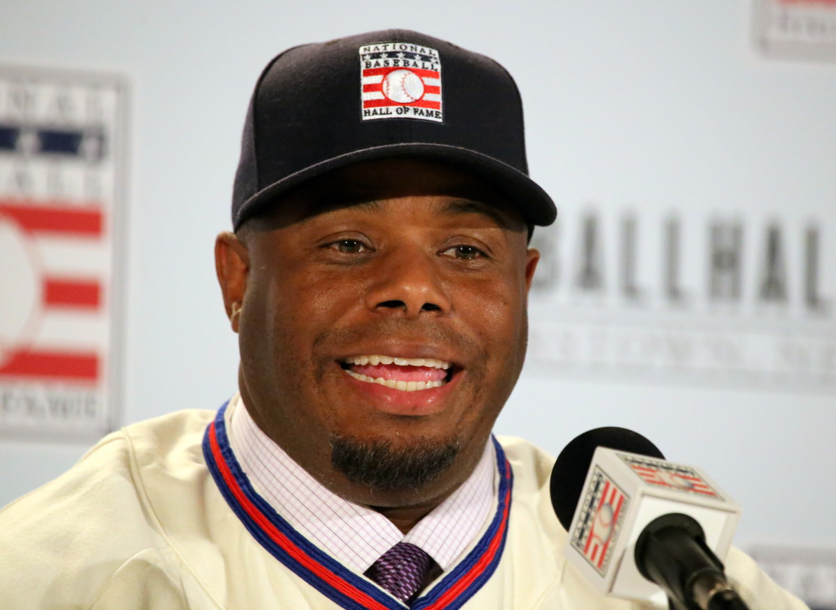 Former Seattle Mariners outfielder Ken Griffey Jr. speaks during the 2016 Baseball Hall of Fame induction press conference.