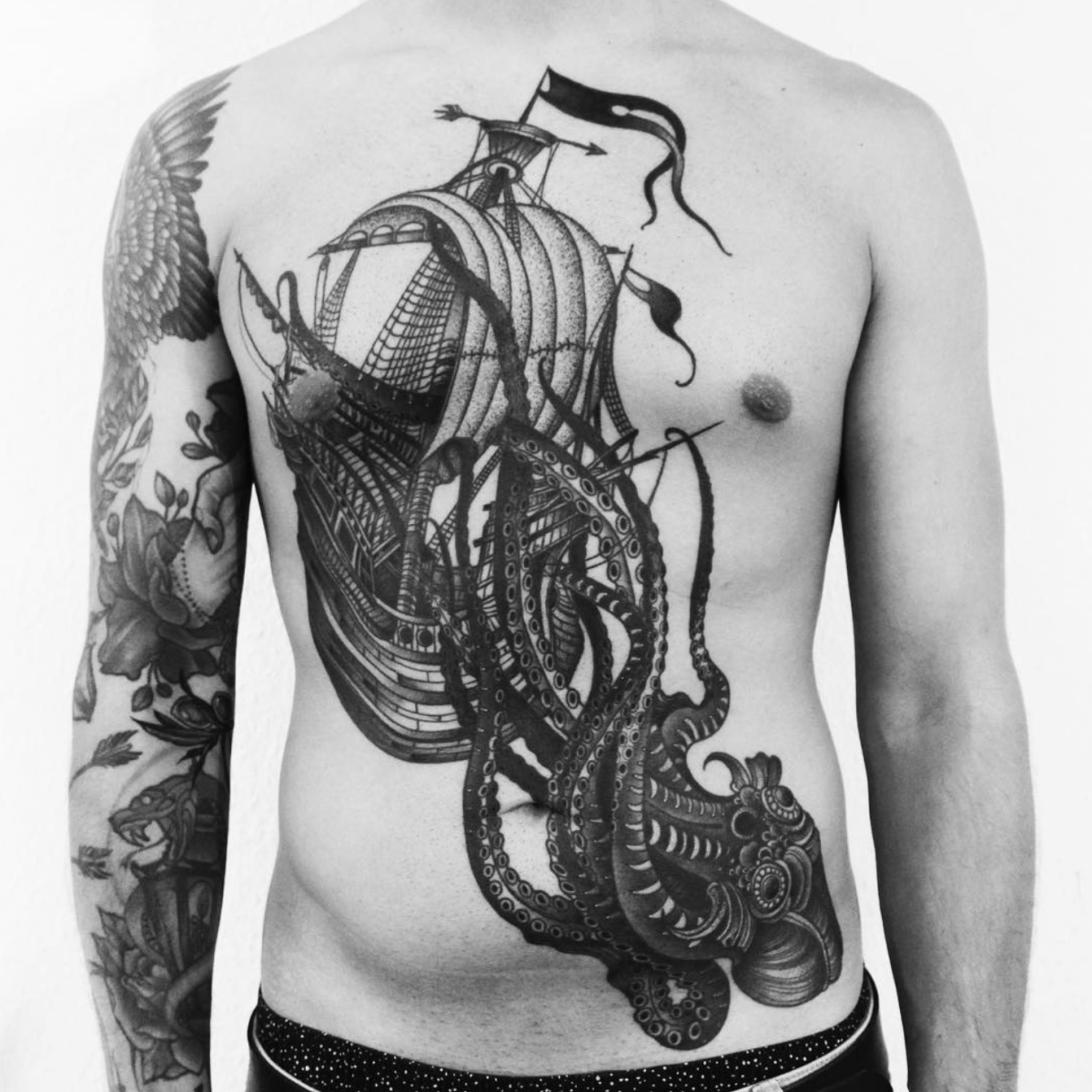 By Oleksandra Riabichko @oleksas.tattoos of Munich, Germany.