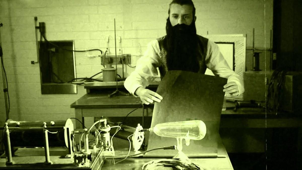 Wilhelm Röntgen in labratory