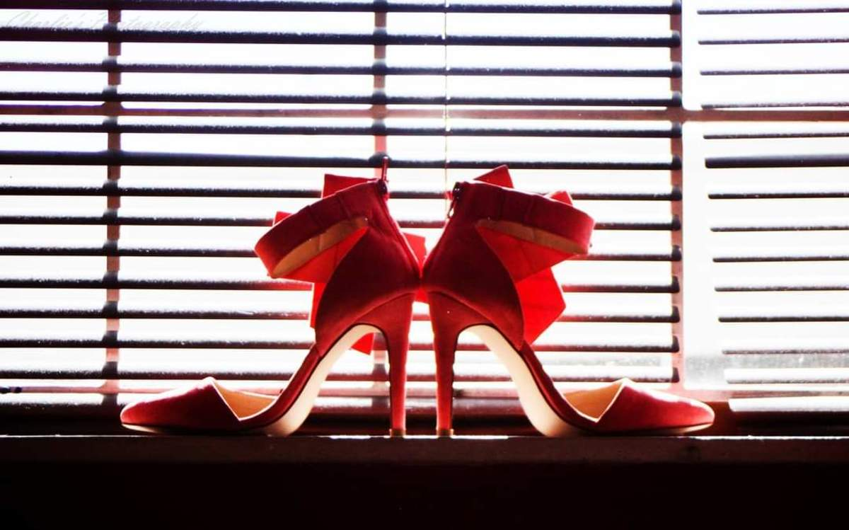 Add a dash of glamour to your images by using filtered window light to create a silhouette of your object