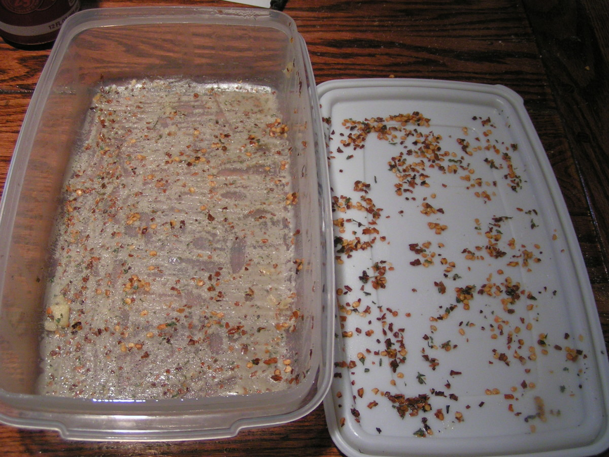 This picture shows the oil and spices that remain after moving the crackers from the containers. This is normal. Your crackers will still have lots of flavor.