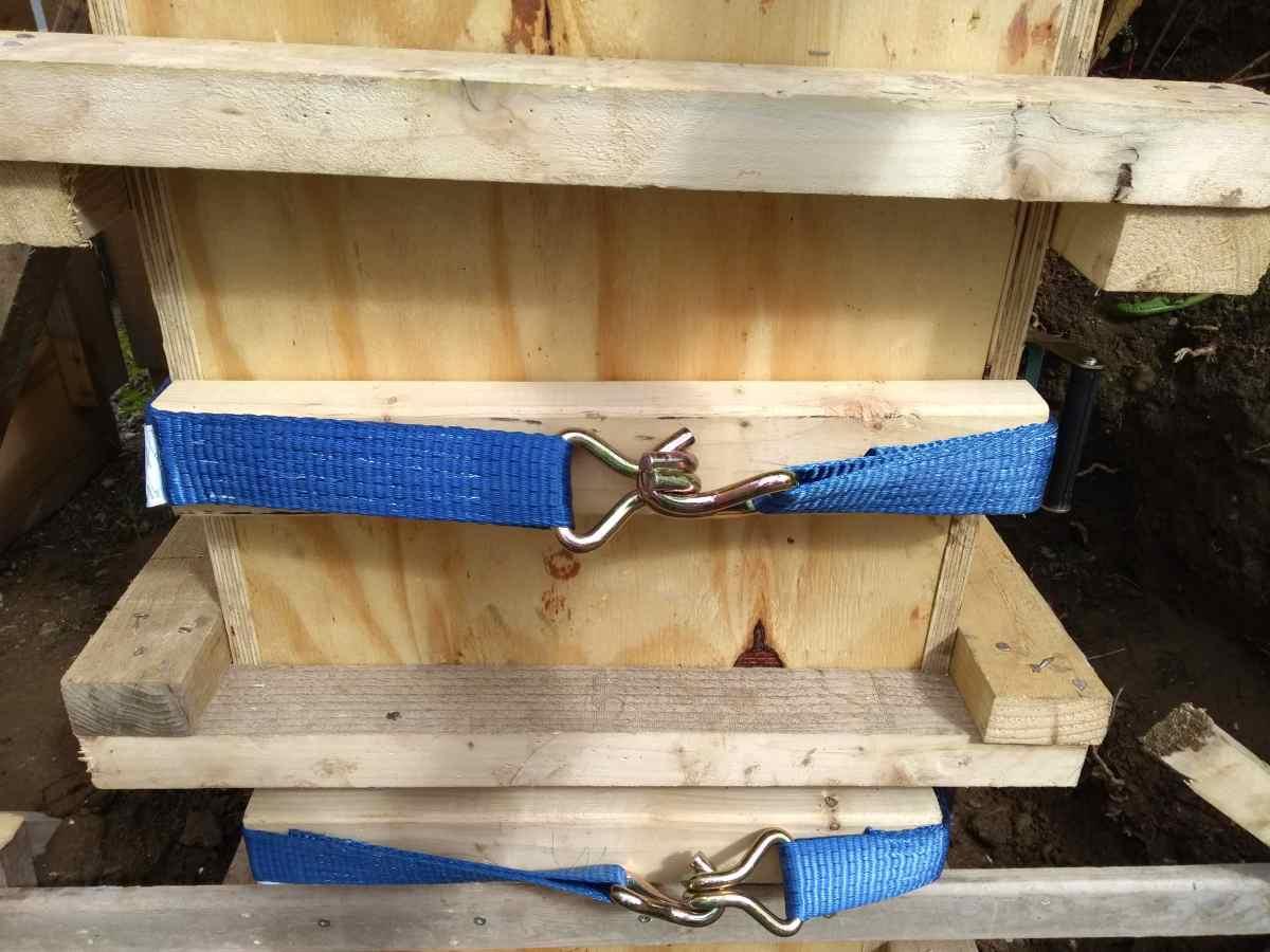 Ratchet straps add additional restraint.