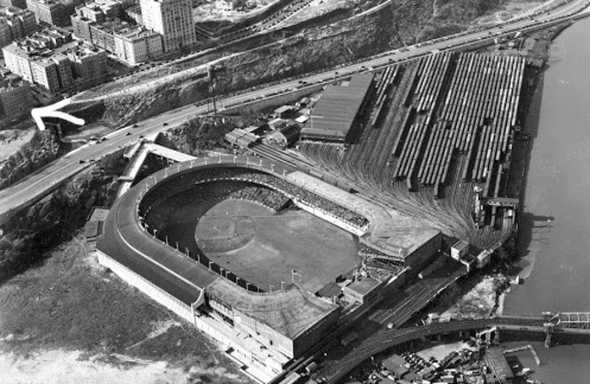 The Polo Grounds.  515 Edgecombe avenue can be seen upper left.