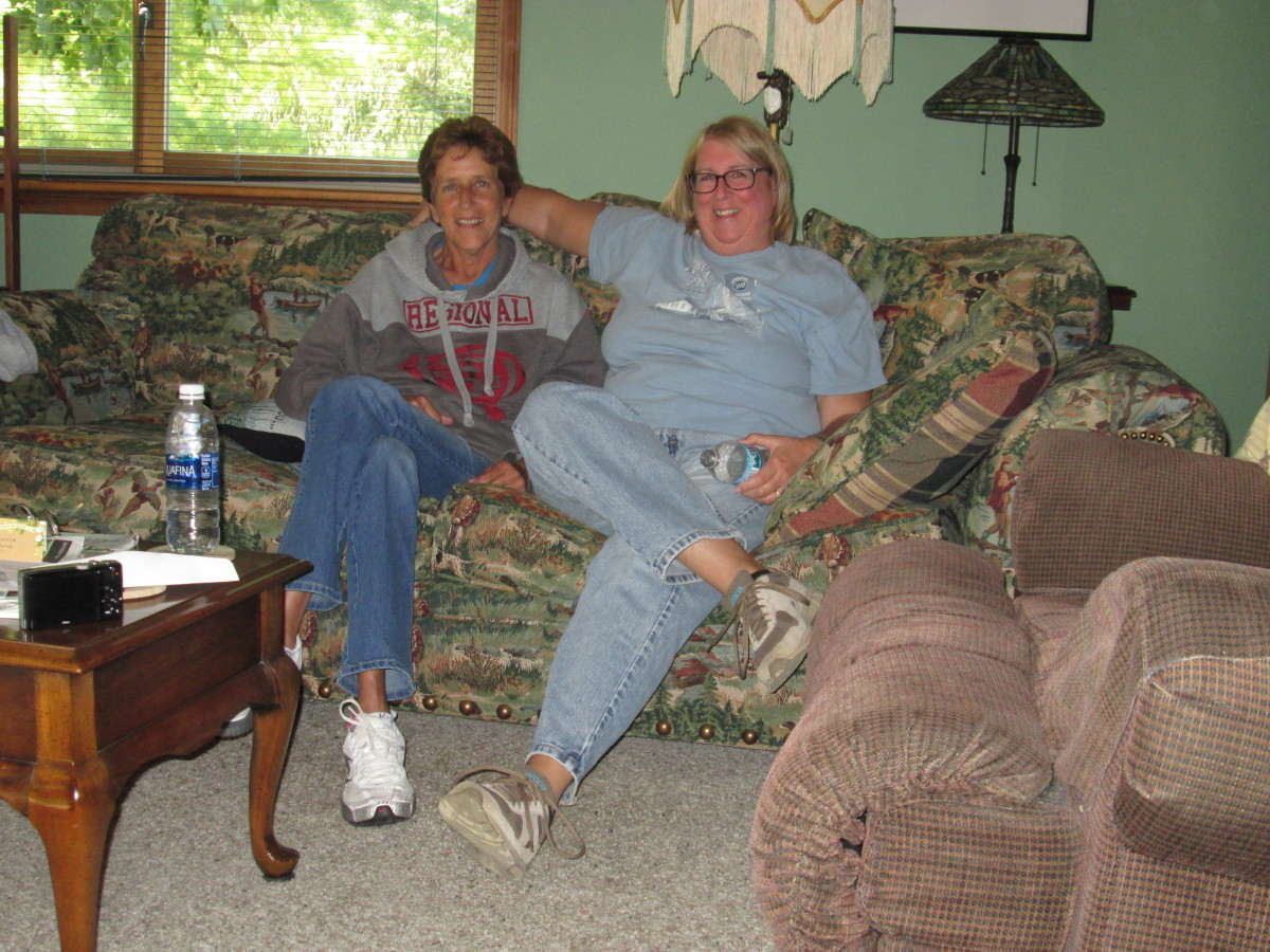 Darlene Visiting With Laurie