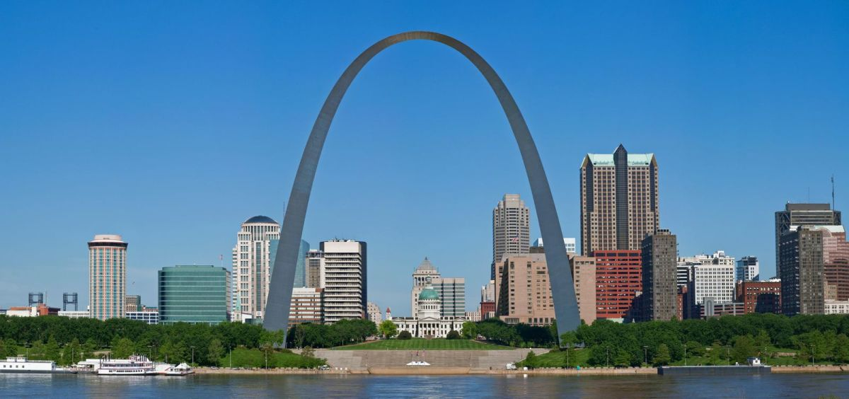"""In 1965, the St. Louis Arch, """"a spectacular 630-foot-high parabola of stainless steel"""" on the waterfront of St. Louis, was completed."""